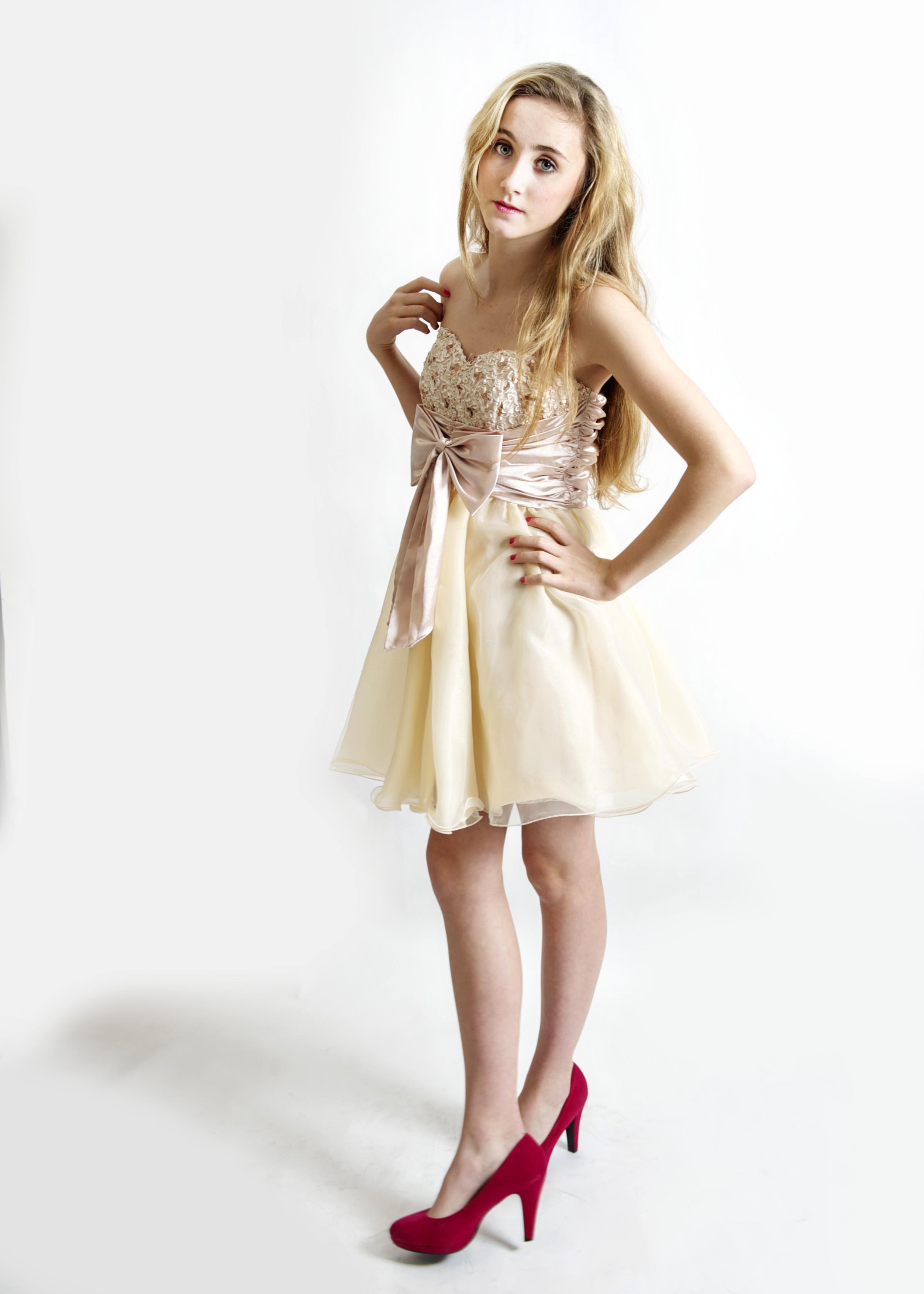 Teenie Model Images